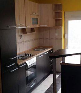 kuhinja-braon-crna